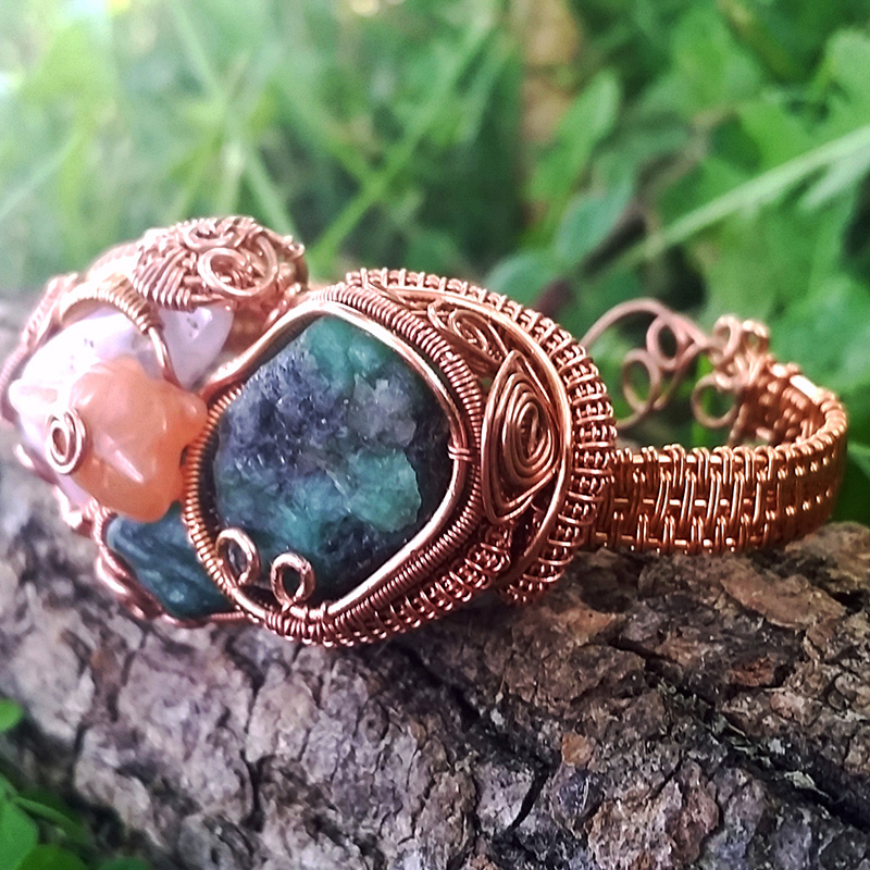 Heady-Copper-Wire-Wrapped-Jewelry-Bracelet-with-Emerald-Focal-Stones-2