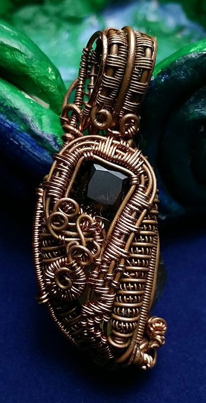 Wire-Wrapped-Pendant-With-Back