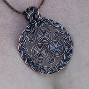 Celtic Triskele Pendant Wire Wrap Tutorial Pdf How to make a wire wrapped triskelion pendant by Bobi Jo Gilman of Timeless Tempest 4