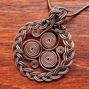 Celtic Triskele Pendant Wire Wrap Tutorial Pdf | How to make a Wire Wrapped Triskelion Pendant 5